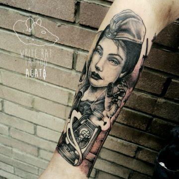 Studio tatuażu Warszawa Agata Kacperczyk tatuaż Sanitariuszka