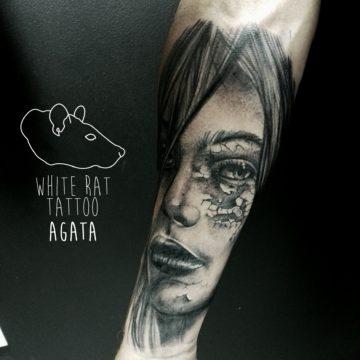 Studio tatuażu Warszawa Agata Kacperczyk tatuaż kobieta