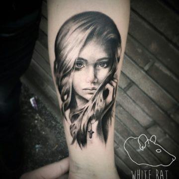 Studio tatuażu Warszawa Krzysztof Jakubowski tatuaż dziewczynka