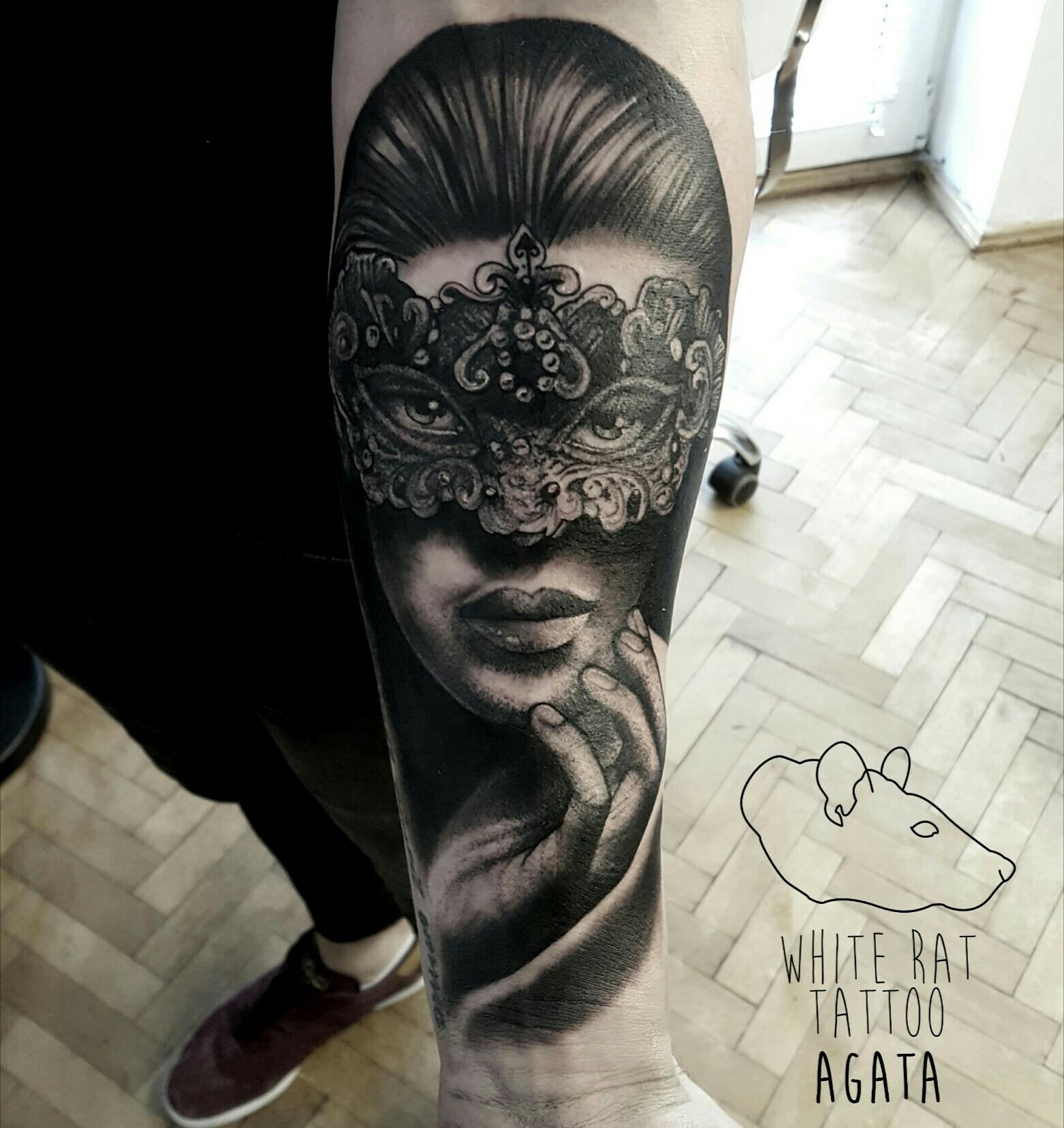 Studio Tatuażu Warszawa Agata Kacperczyk Tatuaż Kobieta W