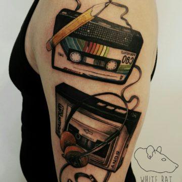 studio-tatuazu-warszawa-agata-kacperczyk-tatuaz-retro-muzyka