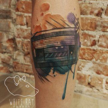 studio-tatuazu-warszawa-agata-kacperczyk-tatuaz-retro-radio