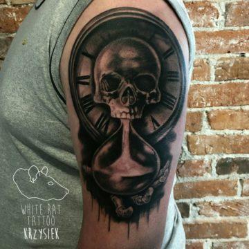 studio-tatuazu-warszawa-krzysztof-jakubowski-tatuaz-czas