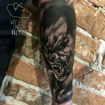studio-tatuazu-warszawa-krzysztof-jakubowski-tatuaz-wampir