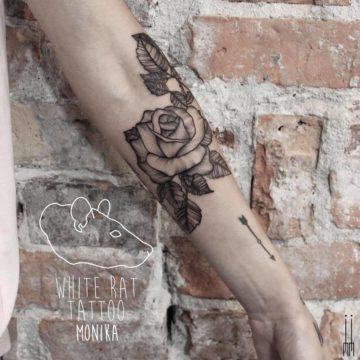 Studio tatuażu Warszawa Monika Michniewicz tatuaż róży