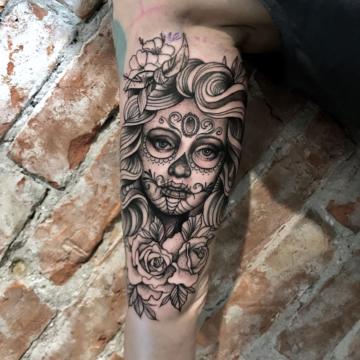Agata Kacperczyk Studio Tatuażu Warszawa White Rat Tattoo Tatuaż Kobieta Santa Muerte