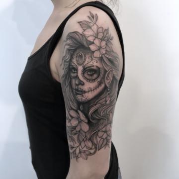 Agata Kacperczyk Studio Tatuażu Warszawa White Rat Tattoo Tatuaż Santa Muerte