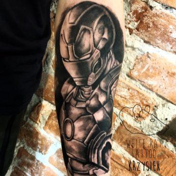 Krzysztof Jakubowski Studio Tatuażu Warszawa White Rat Tattoo Tatuaż Marvel Ironman