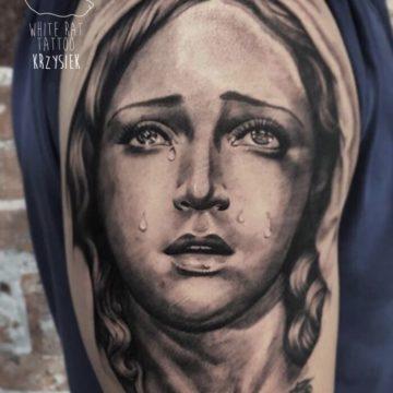 Krzysztof Jakubowski Studio Tatuażu Warszawa White Rat Tattoo Tatuaż Matka Boska