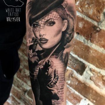 Krzysztof Jakubowski Studio Tatuażu Warszawa White Rat Tattoo Tatuaż Noir
