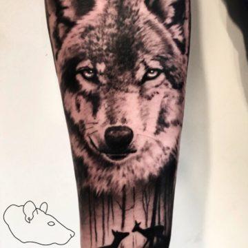 Krzysztof Jakubowski Studio Tatuażu Warszawa White Rat Tattoo Tatuaż Wilka