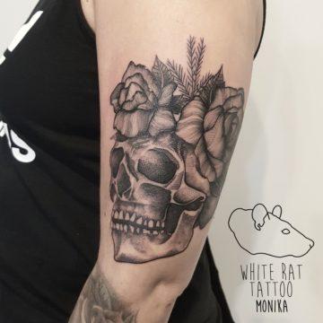 Monika Michniewicz Studio Tatuażu Warszawa White Rat Tattoo Tatuaż Czaszka