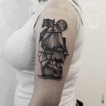 Monika Michniewicz Studio Tatuażu Warszawa White Rat Tattoo Tatuaż Statek